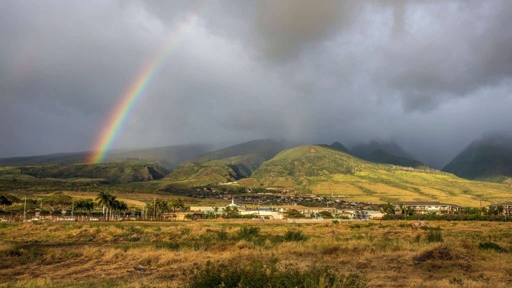 Rainbow-over-the-west-maui-mountains