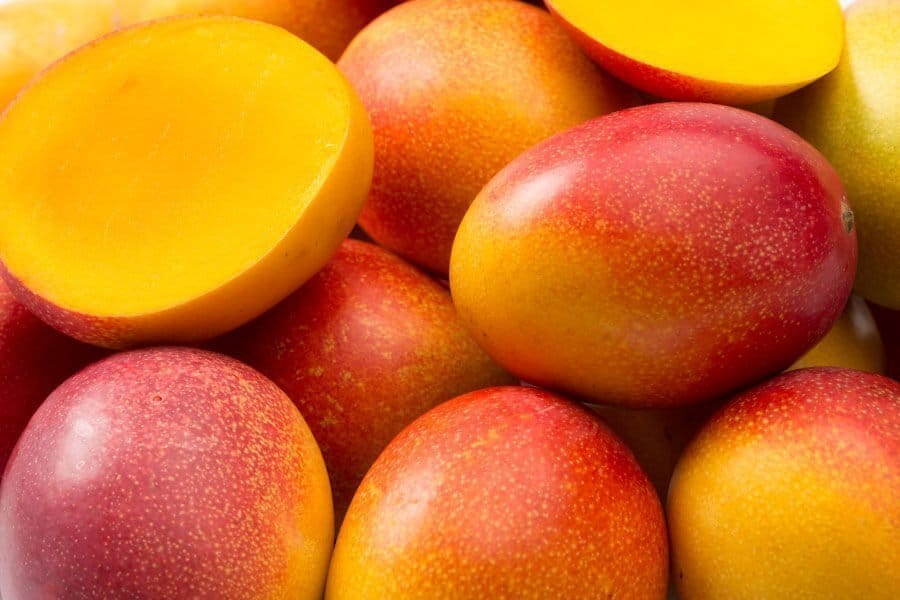 mango-picture-for-maui-soap-company-hawaiian-lip-balms-with-sunscreen-spf-the-best-tropical-soothing-lips-kiss-sun-protection